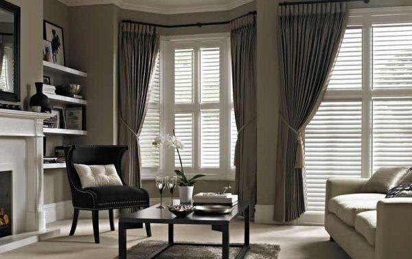 thomas_sanderson_bay_window_living_room_shutters_1200x753-min